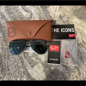 Brand New Black Ray-Ban Aviator Classic Sunglasses